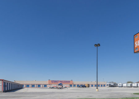 Storit Self Storage facility in Groves, TX.